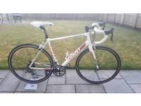 Giant Defy 4 road bike size ML