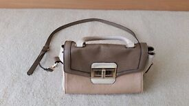 Oasis Handbag, Adjustable Strap, Zips and Pockets included, Contact me soon as, Cheap price at £8