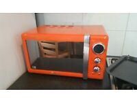Swan 800W Orange Retro Digital Microwave