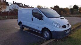 £3180, Renault Traffic 2.0TDI, white, box van, very good runner