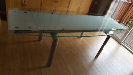 Blackwood. Quality large modern extending glass dining room table 8 sittings. Immaculate.