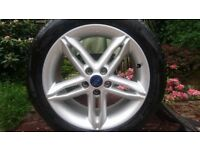 2015 Ford focus alloy wheel and good tyre .