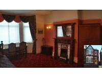 Large stunning double room for rent, next to the park in beautiful Victorian House