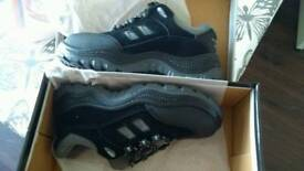 Brand new Safety shoes size 5