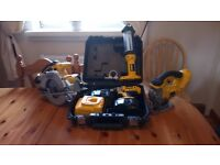 Dewalt 18 v XRP cordless tool set, consist of various items, see photos and details