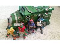 Large Teenage Mutant Ninja Turtle Truck and the 4 Turtles