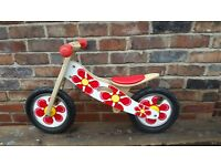 Kidzmotion Balance bike - new
