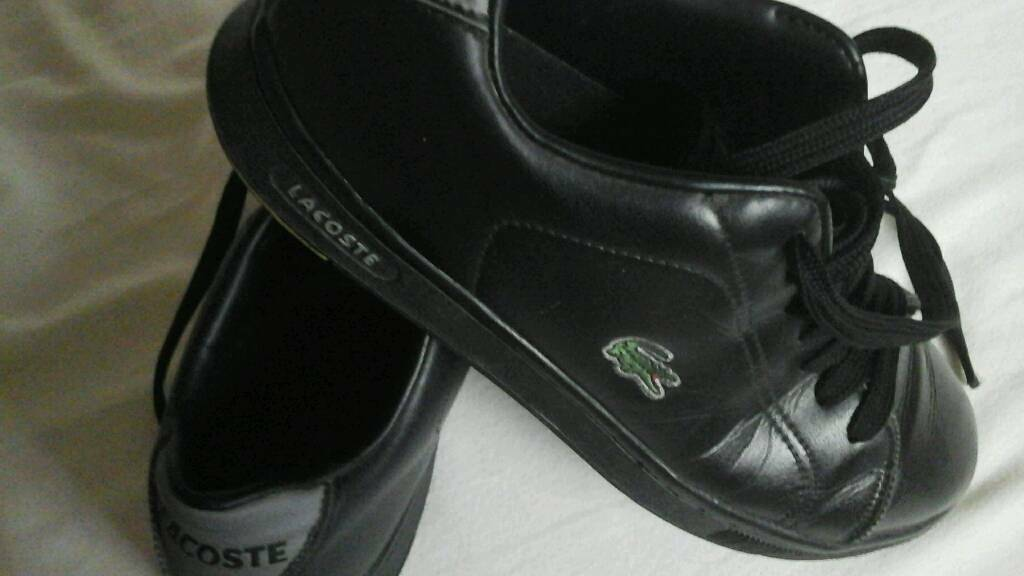 4118237da Size 8 Lacoste trainers