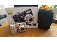 Nikon Coolpix 7900 Compact Digital Camera with carry case