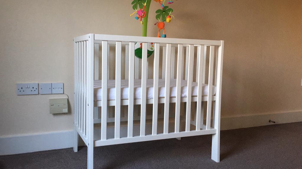 reputable site 7e06a a8901 Mamas & Papas Petite Cot, mattress and 2 fitted sheets | in Wimbledon,  London | Gumtree