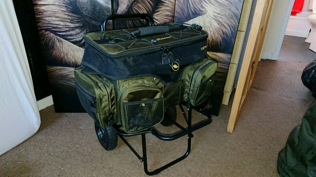 Wychwood boatman bag. Trolley and sonik holdall