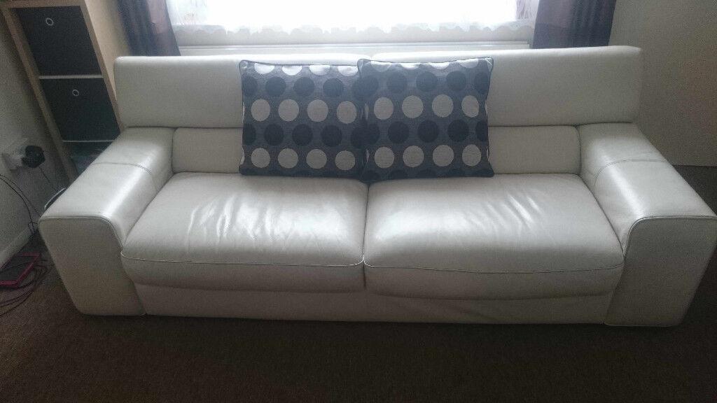 Sofas world northampton refil sofa for Sofa world ottawa