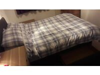 4ft6 Double Silentnight Divan Bed Set in Excellent Condition