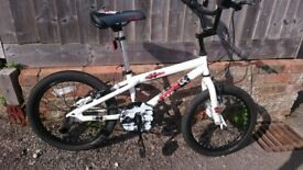 Apollo Force BMX with 18 inch wheels and rear wheel stunt pegs