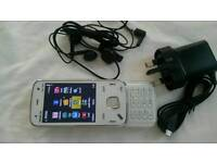 Nokia n86 unlock mobi le phone w ith box charger and earphones phone in very good condition