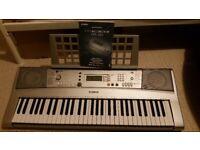 Keyboard Yamaha PSR-E303 portable electronic keyboard (61 touch sensitive full size keys)