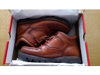 Rockport HYDRO-SHIELD weatherproof walking boots Size 8 Brown Leather MADE in PORTUGAL