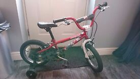 Mongoose bike, ages 4-6, Almost New with stabilisers