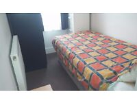 Box room in Ilford/Gants Hill for a quiet,tidy and friendly person in share house with only 3 others