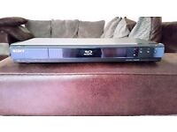 SONY BDP-S350 BLU-RAY PLAYER - REMOTE - INSTRUCTIONS - HDMI LEAD - CAN DELIVER
