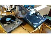 Turntables; Technics 1210 mk2, Stanton STR8-80
