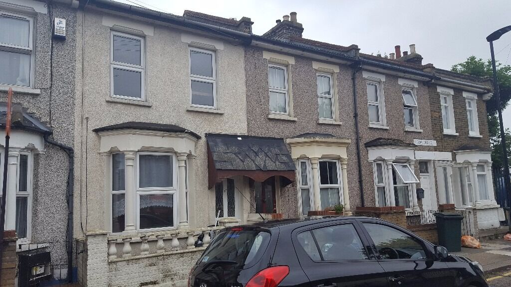 Lovely spacious two bedrooms house with garden in Stratford, E15