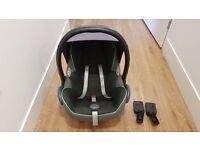 Maxi-cosi cabriofix car seat + quinny buzz adapter