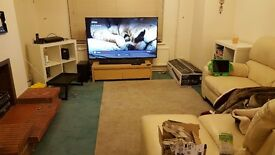 Cream Leather L-Shaped 5 seater Sofa- Smoke free-pet free home