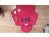 Boys GAP Tracksuit , size 6-7 years. New.