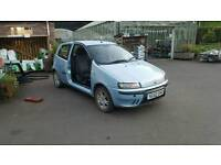 Fiat punto 1.2 breaking for spares
