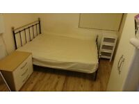 Single room with double bed £300/month bills included!
