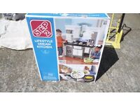 STEP 2 LUXURY LIFESTYLE DREAM KITCHEN - KIDS CHILDS PLAY - PLAYSET TOY GIFT NEW