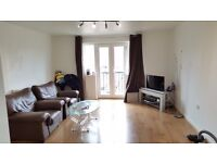Large Double Room in Cunningham Avenue 2 BED FLAT WITH MASSIVE LIVING ROOM