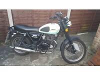125cc Sinnis Retrostar Motorbike