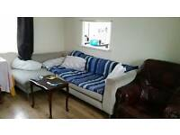 Corner sofa & extendable table