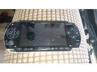 PSP 1001 + 16gb Memory Card + Charger