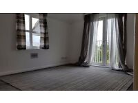 2 BED MODERN APARTMENT OFF ILFORD LANE. 10 MINS WALK TO BARKING/ILFORD STATIONS! PRIVATE PARKING.