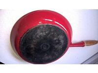 LE CREUSET SIZE 26 FRYING PAN CAST IRON GORGEOUS RED LARGE SIZE