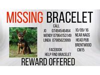 Bracelet is missing from cm15 area