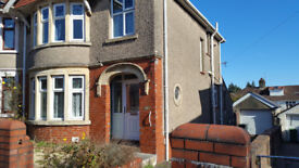 3 bedroom semi- detached house with driveway in Penylan