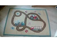 Kids RUG & Matching LIGHT SHADE ***Excellent Condition***