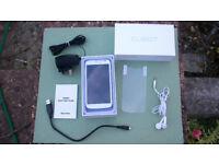 Smartphone - UNLOCKED - Dual Sim