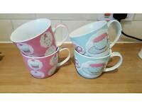 Set of 4 mugs