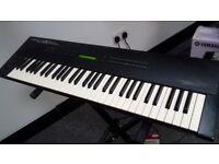 Roland U20 Synthesizer