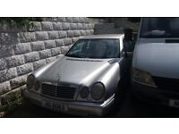 Mercedes Benz E Class Saloon car - MOT until October 2016 (Spares or Repairs) £400 ono