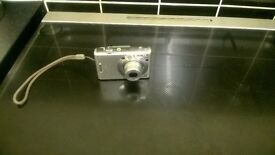 Sony cybershot camera with battery charger