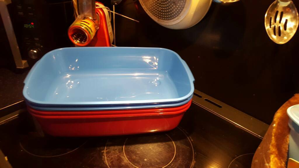 Pink or blue deep large litter tray
