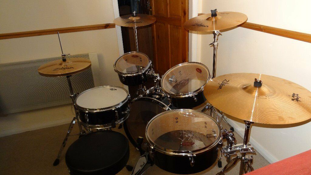 pearl rhythm traveler drum kit with zildjian zbt cymbals in farnley west yorkshire gumtree. Black Bedroom Furniture Sets. Home Design Ideas
