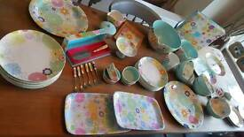 Portmeirion Crazy Daisy Dinner Set and Serveware