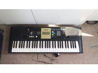 Yamaha YPT-220 Electric Keyboard